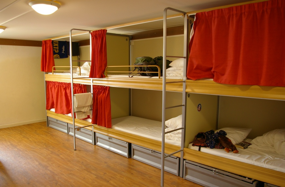 Dorm-Room-in-Paris-Hostel